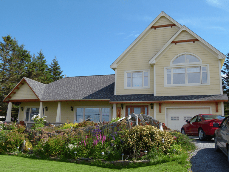 Rénovation résidentielle d'une maison à deux étages